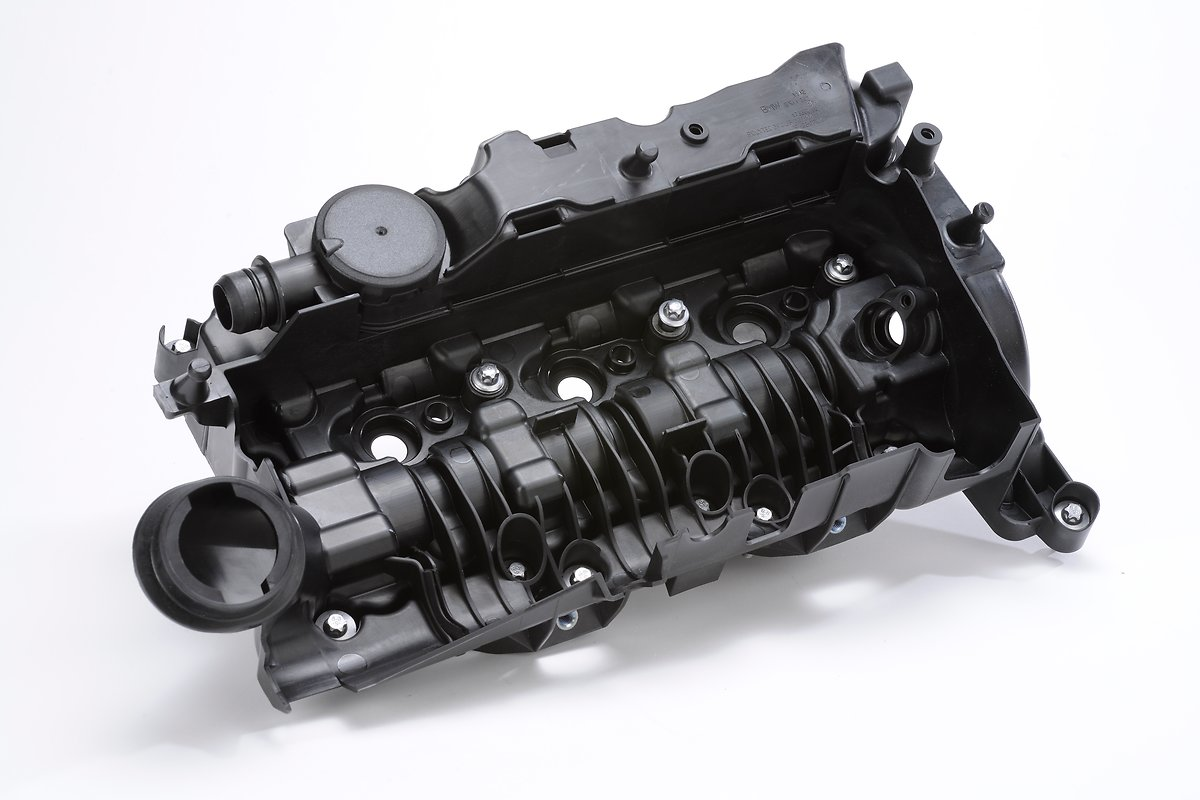 11_cylinder head cover 3