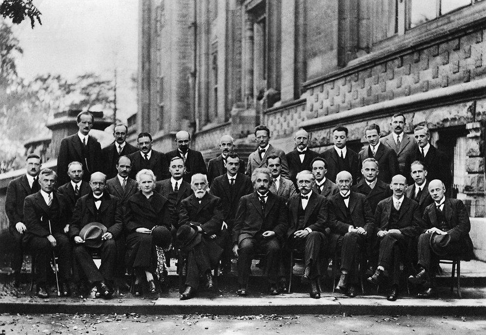 Conseil-de-Physique-1927
