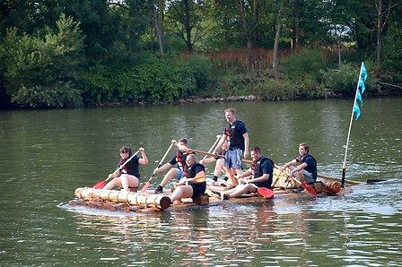 Solvay-Azubis-beim-Flussrennen