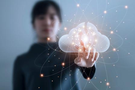 Visual-Taking-laboratory-analysis-into-the-cloud
