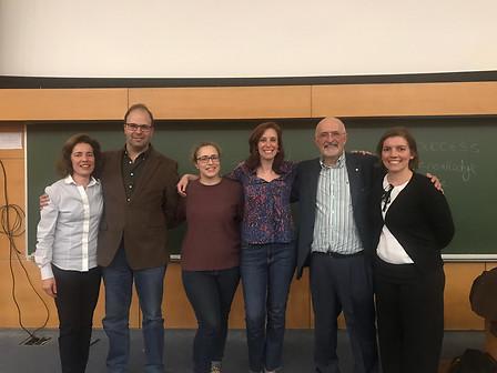 FCUL (Foto de PCe com 3 colegas e Prof. Maria José Lourenço e Prof. Carlos Castro)