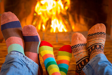 feet in front of the fireplace - LIFESTYLE HP